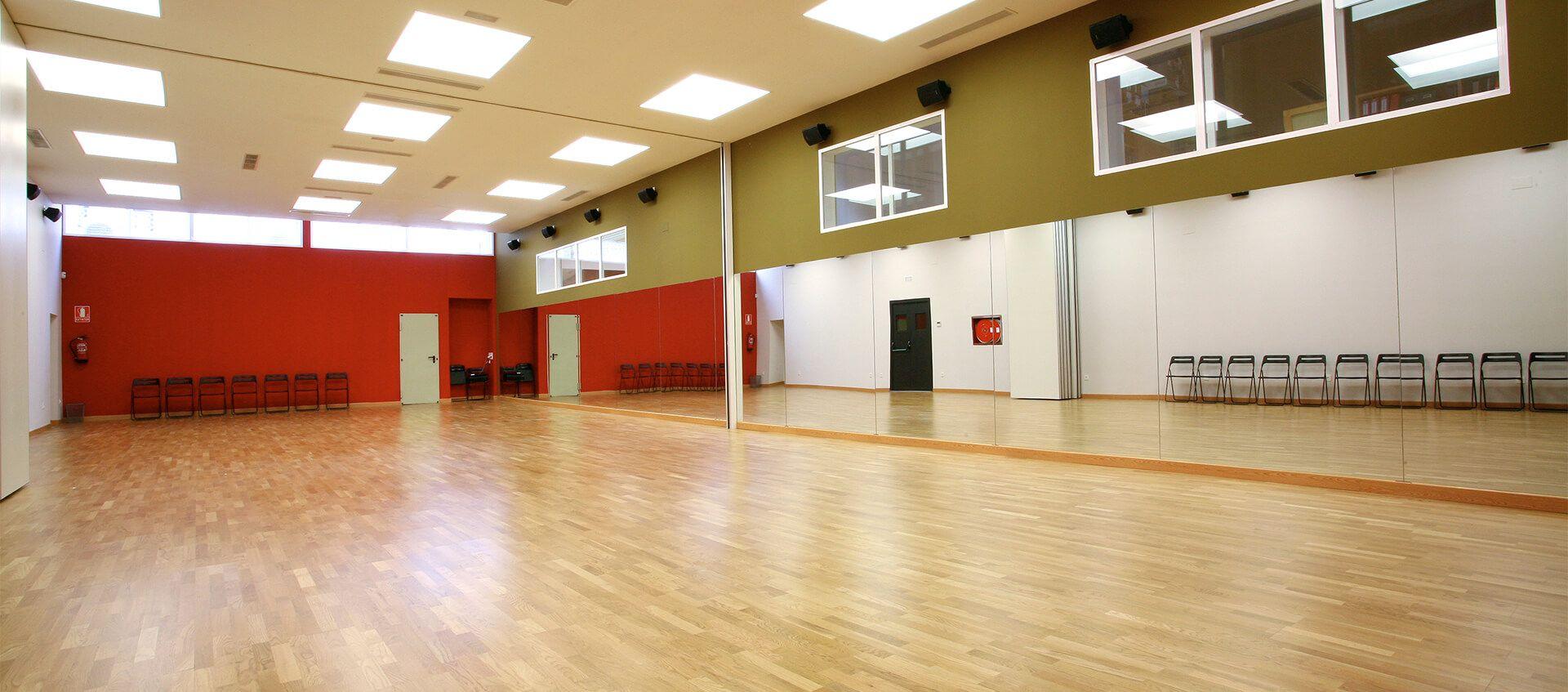 2d495faa6c1d Alquila una de nuestras salas, y disfruta del ambiente único de Círculo de  Baile. ver Instalaciones.
